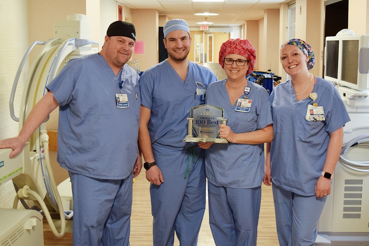 Orthopedic Surgery Staff with Award